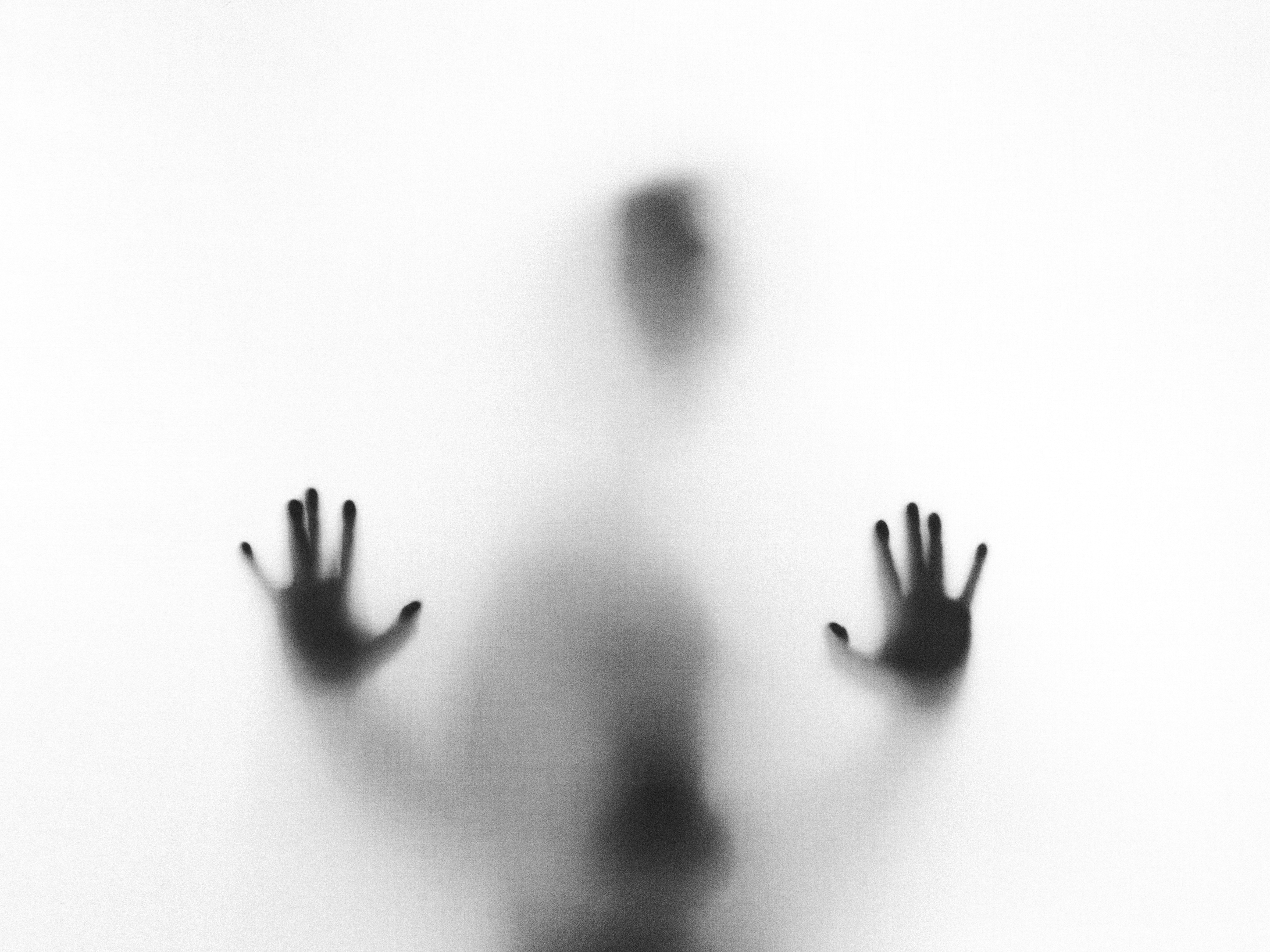 #1814 Ghosting